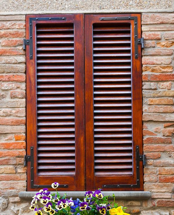Restauro scuri in legno prezzi infissi grezzi in with - Restauro finestre in legno ...