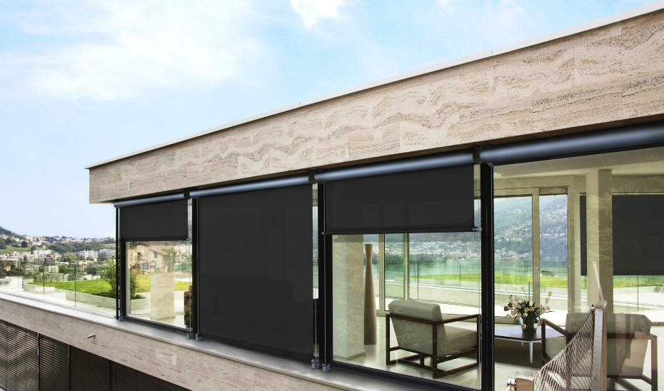 tende al riparo con eleganza porte finestre. Black Bedroom Furniture Sets. Home Design Ideas